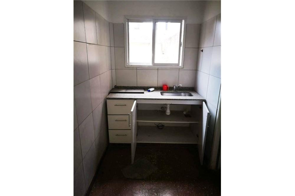 venta local con vivienda y deposito en villa lynch