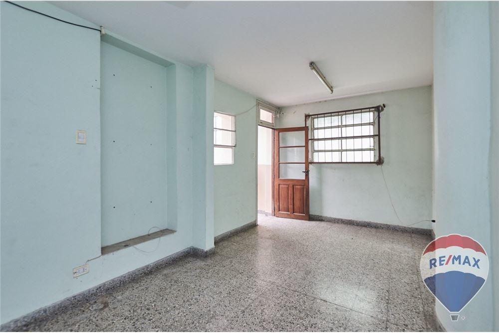 venta local c/vivienda en esquina sup.total 316 m2