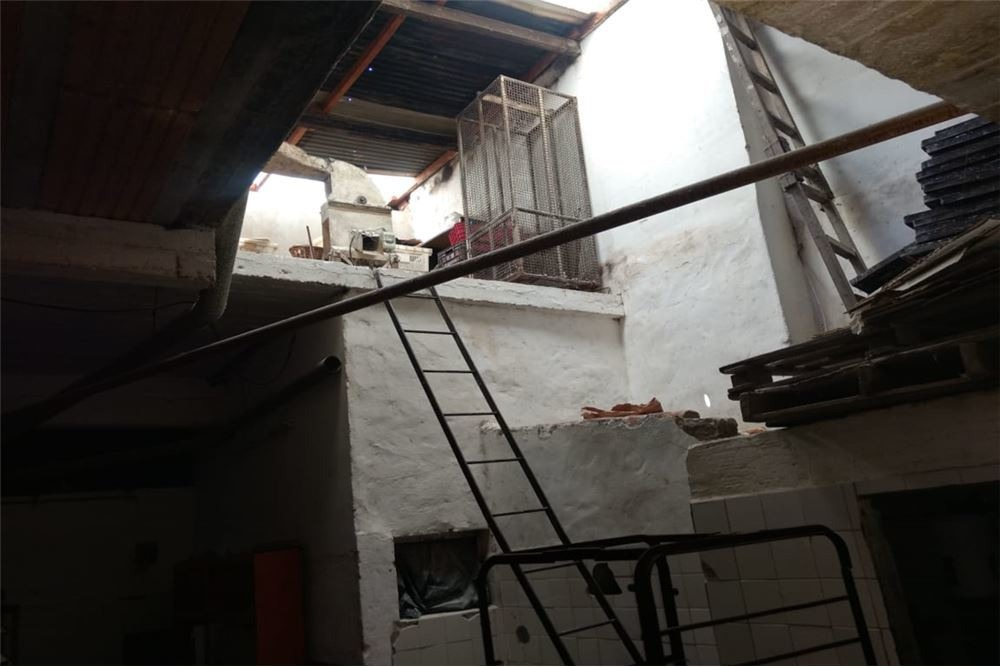 venta local-depósito con vivienda en cañuelas