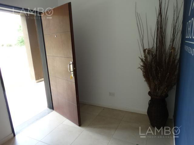 venta local- estancias del pilar - lambo propiedades