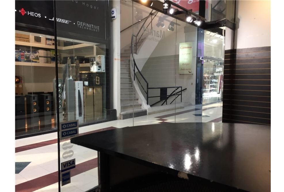venta-local-galeria-vidriera-30m2-villa urquiza