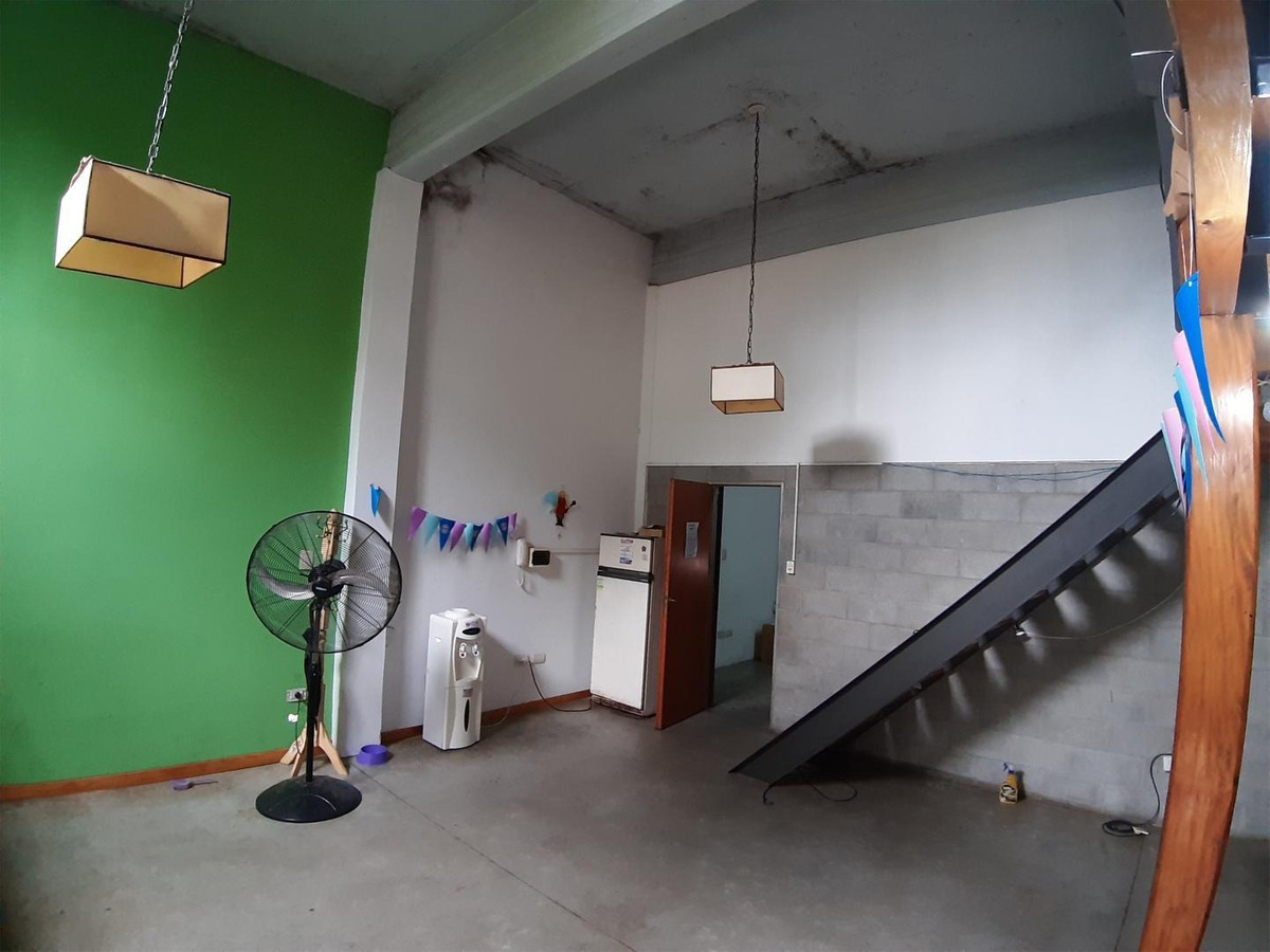 venta local + vivienda en villa bonich