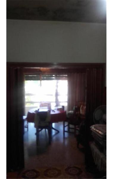 venta  local + vivienda  solis y av. real 800  u$s 190.00