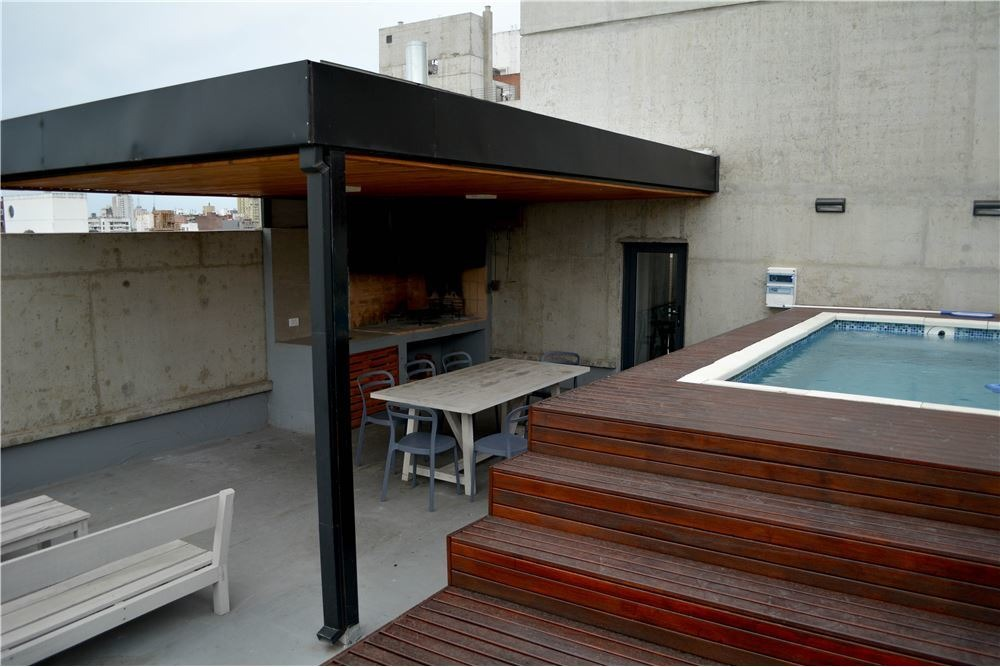 venta loft amoblado de diseño a 50m de pellegrini