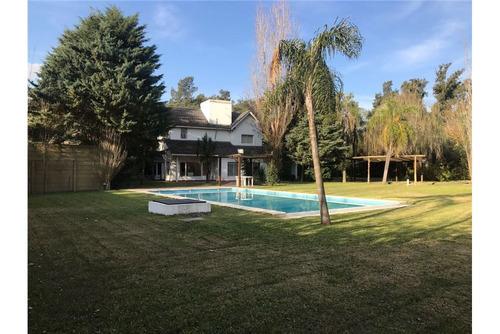 venta lote 1000 m2 con gran piscina