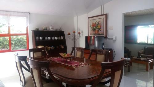 venta lote 11.056 m2 y 2 casas vía circasia