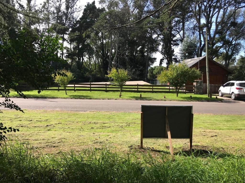 venta lote 800 mts sierra de los padres sobre asfalto en inmejorable entorno
