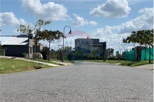 venta  lote  a laguna - barrio santa isabel (e1)