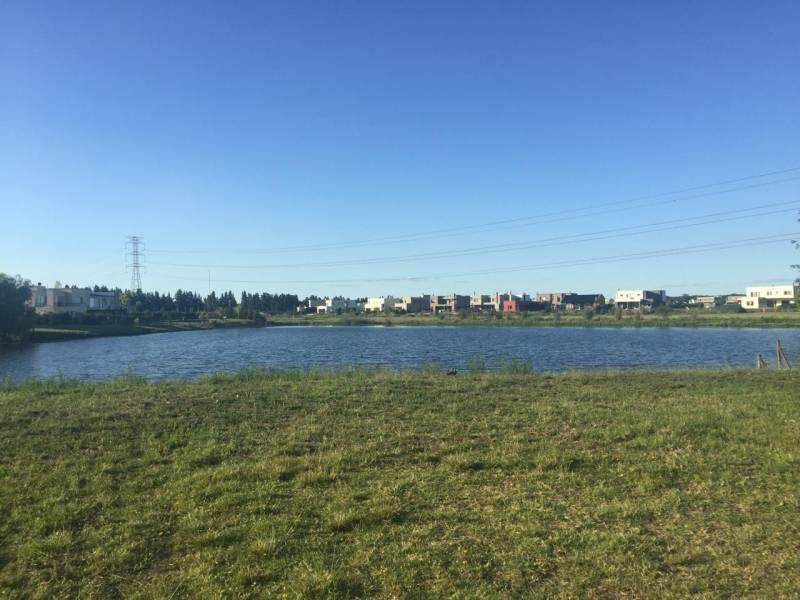 venta lote de 1100 m2 a la laguna en san francisco  villanueva tigre