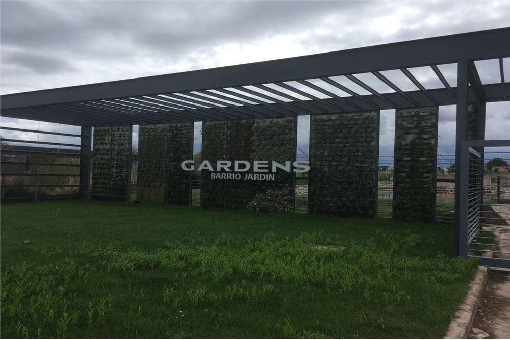 venta lote- terreno en gardens chacras