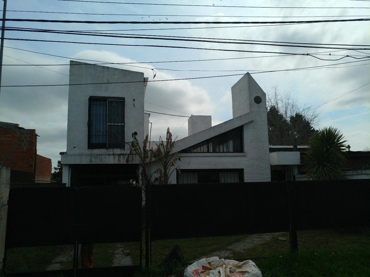 venta luján dos casas y departamento
