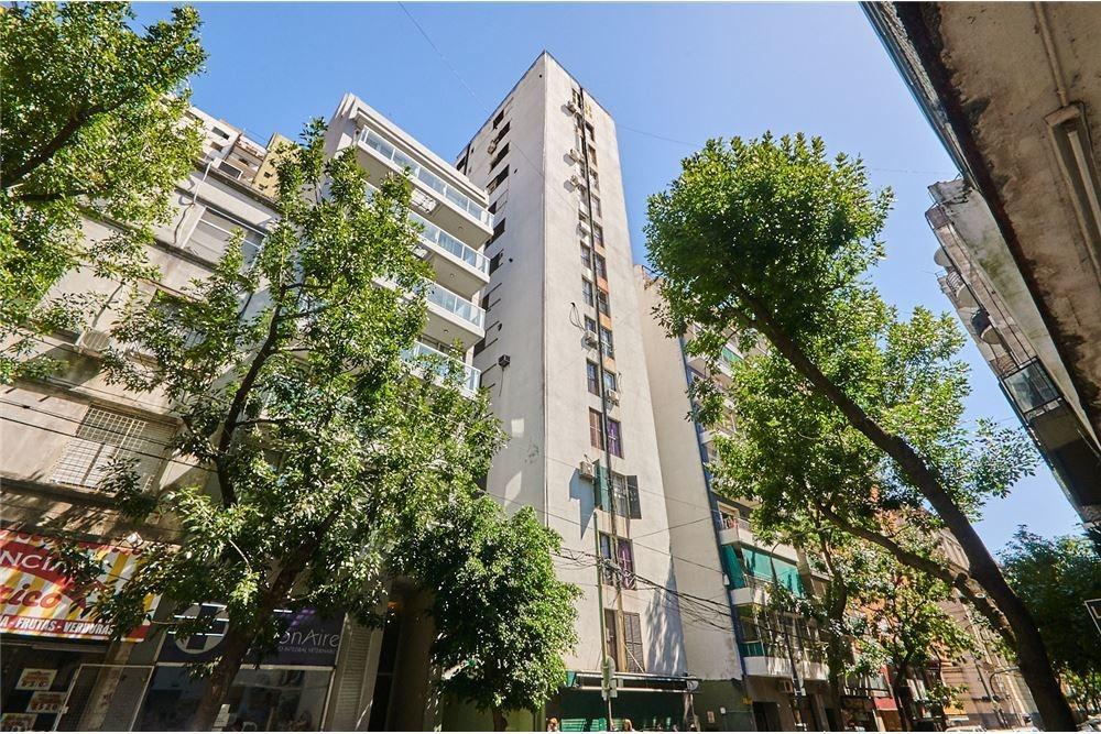 venta luminoso depto 3 amb. c/balcón, piso alto!