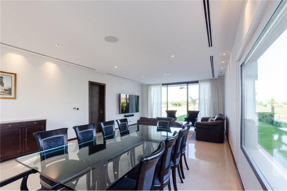 venta luxury home con amarra en yatch nordelta
