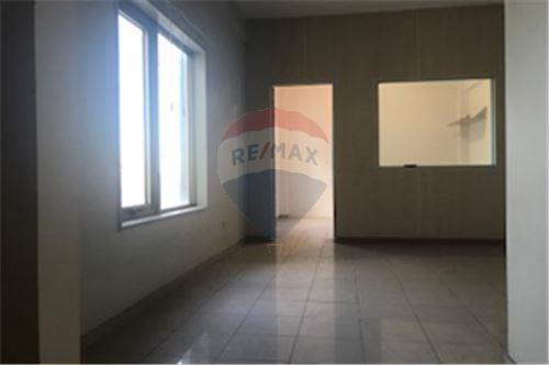 venta monoambiente 31 m2 frente tribunales moron