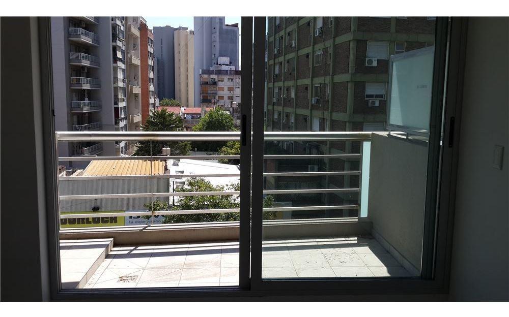 venta monoambiente balcon y amenities en erre!