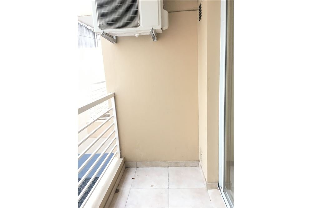 venta monoambiente con balcón!  caballito