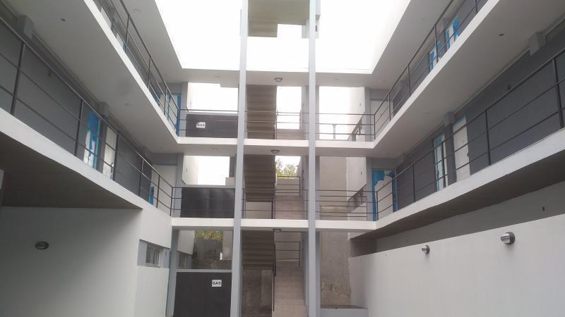 venta - monoambiente c/patio - av 125 e49 y 50 - inversor