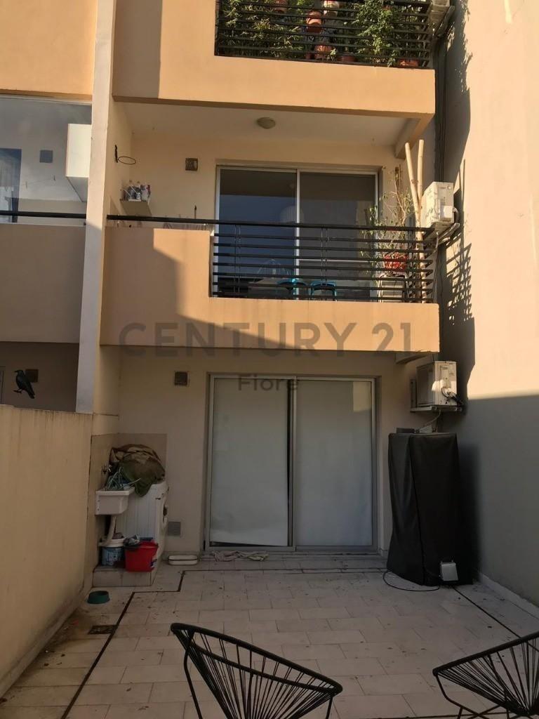 venta monoambiente en villa pueyrredon super luminoso con patio
