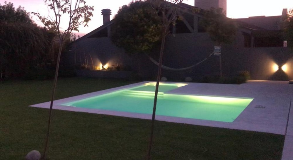 venta monte grande barrio mirasoles casa 3 dorm y piscina!
