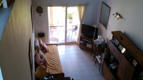 venta monte grande barrio mirasoles - ph de 1 dormitorio