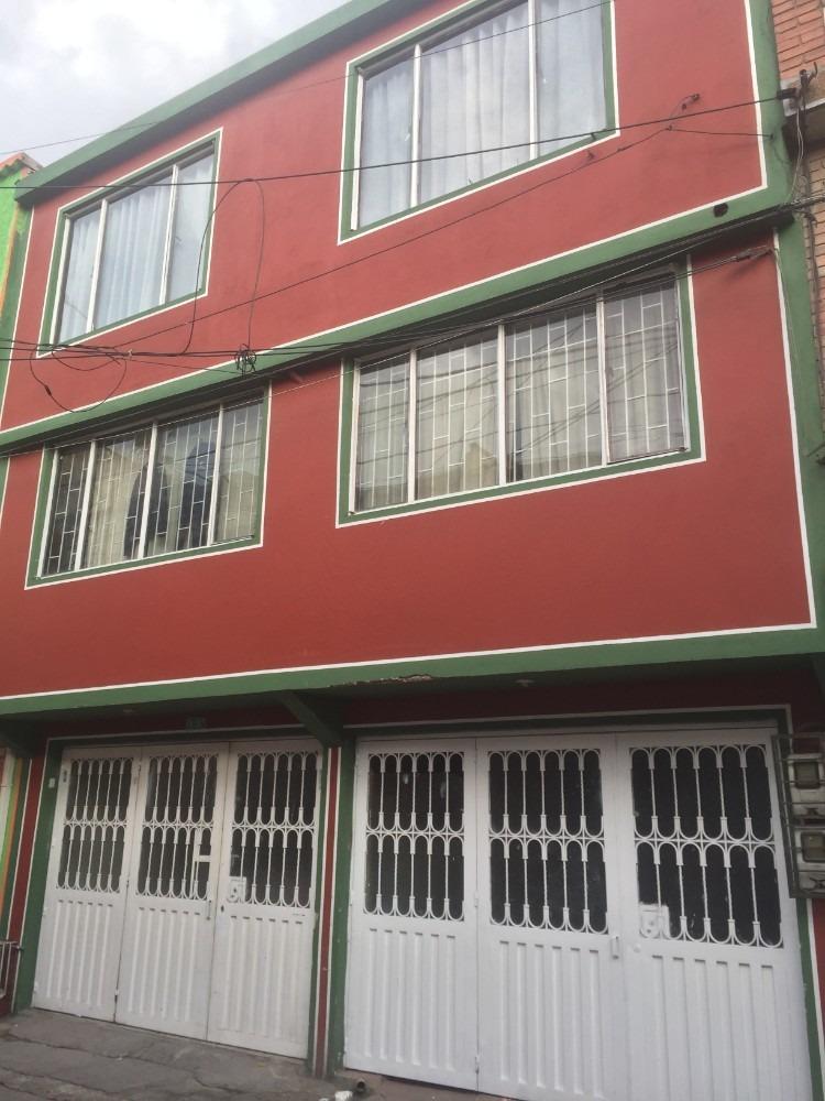 venta o permuta casa de  3 pisos, 300 m2