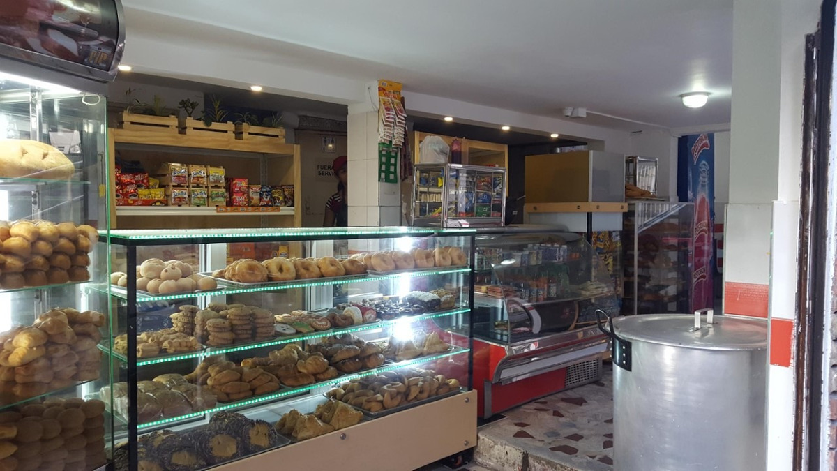 venta o permuta de panadería acreditada y bien ubicada.