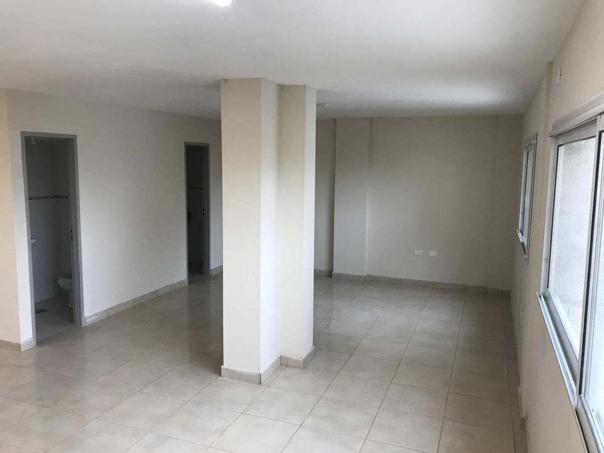 venta oficina 150m2!!   avellaneda al 300 (mts plaza colon)