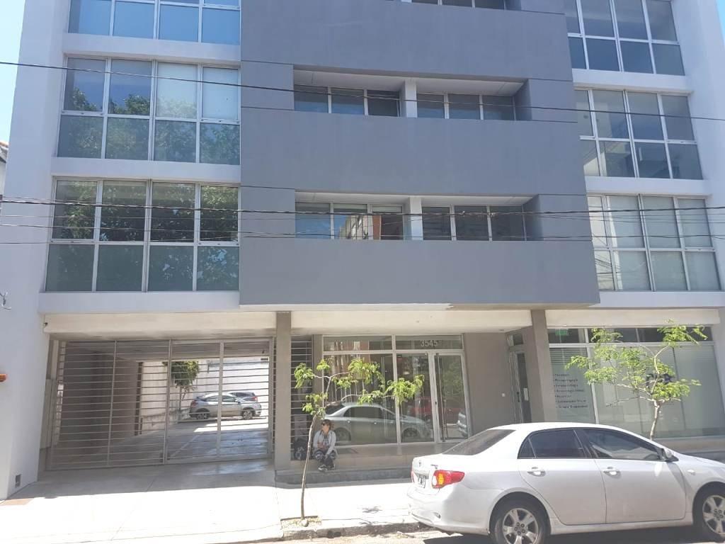 venta oficina a la calle macrocentro con cochera