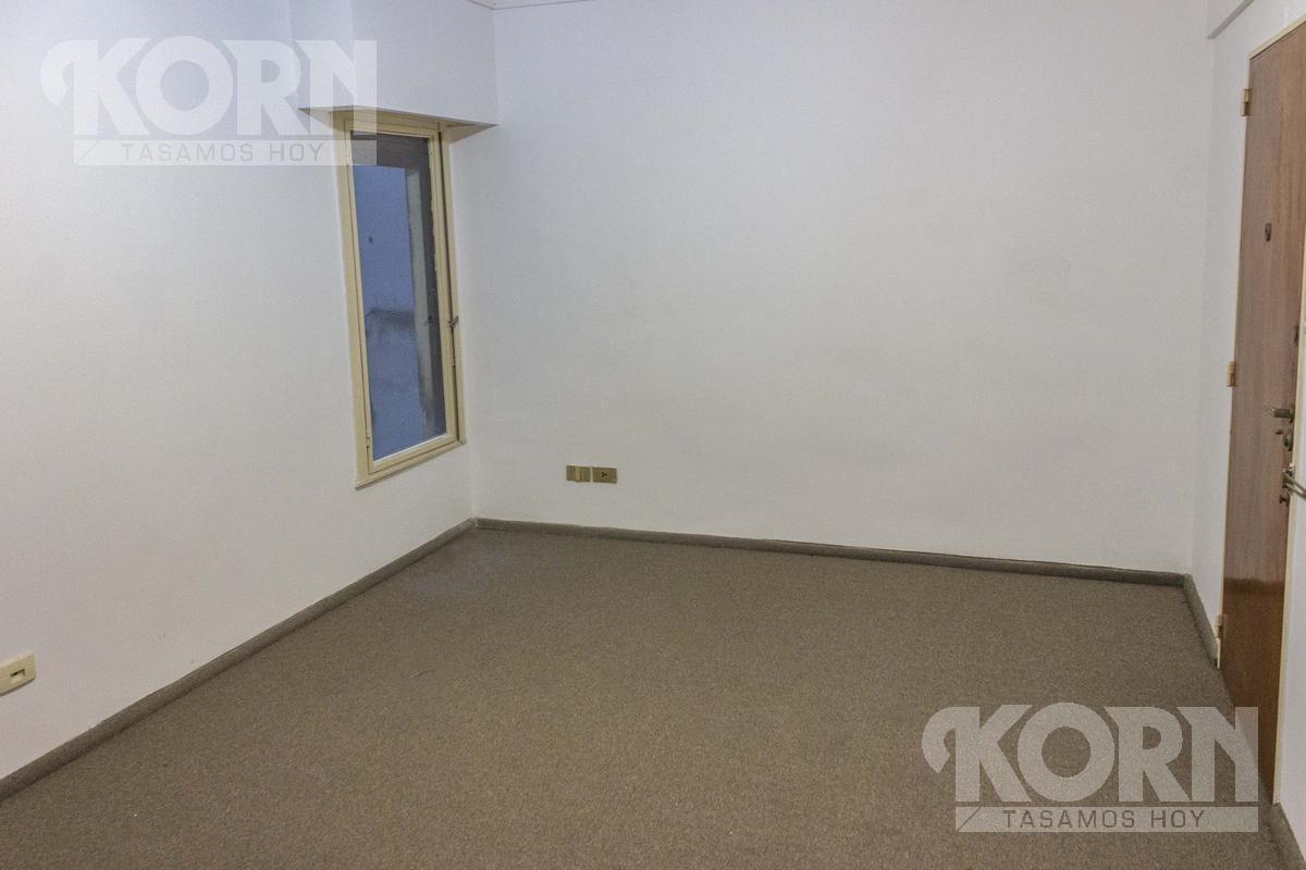 venta oficina de 3 ambientes con dependencia de servicio apto profesional en barrio norte