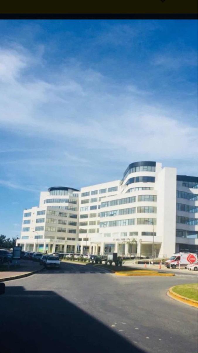 venta oficina de 48 mts bahía grande nordelta