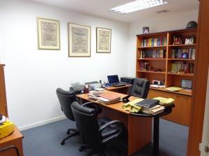 venta oficina en  bello monte eq85 18-11720