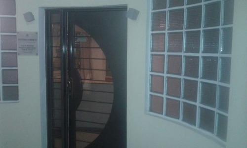 venta oficina en el centro sobre chacabuco 200 planta baja sup 100 m2 varios privados