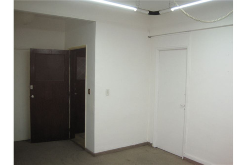 venta oficina en once monoambiente luminosa
