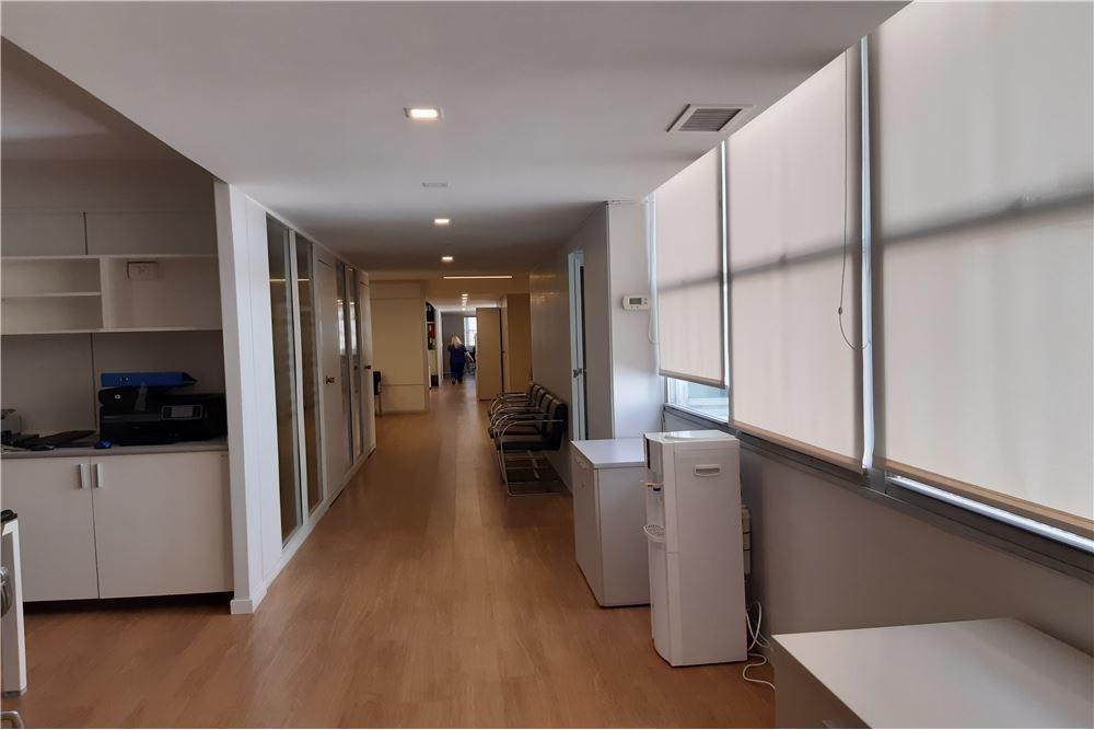 venta oficina en retiro piso con terraza y cochera