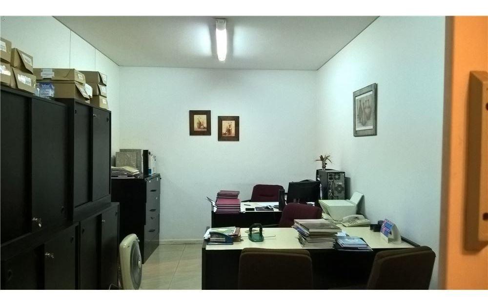 venta /oficina/ excelente ubicación/ retiro