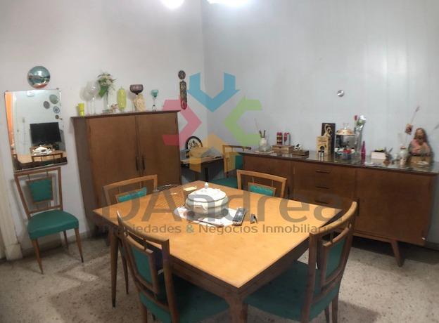 venta / oportunidad casa céntrica en 18 e 31 y 33 mercedes b