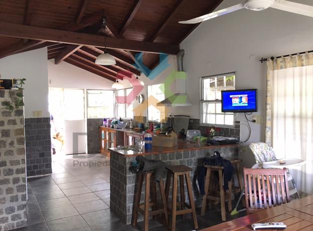 venta / oportunidad casa quinta b° club quilmes mercedes (b)