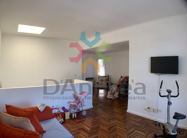 venta / oportunidad hermosa casa en 7 entre 26 y 28 mercedes