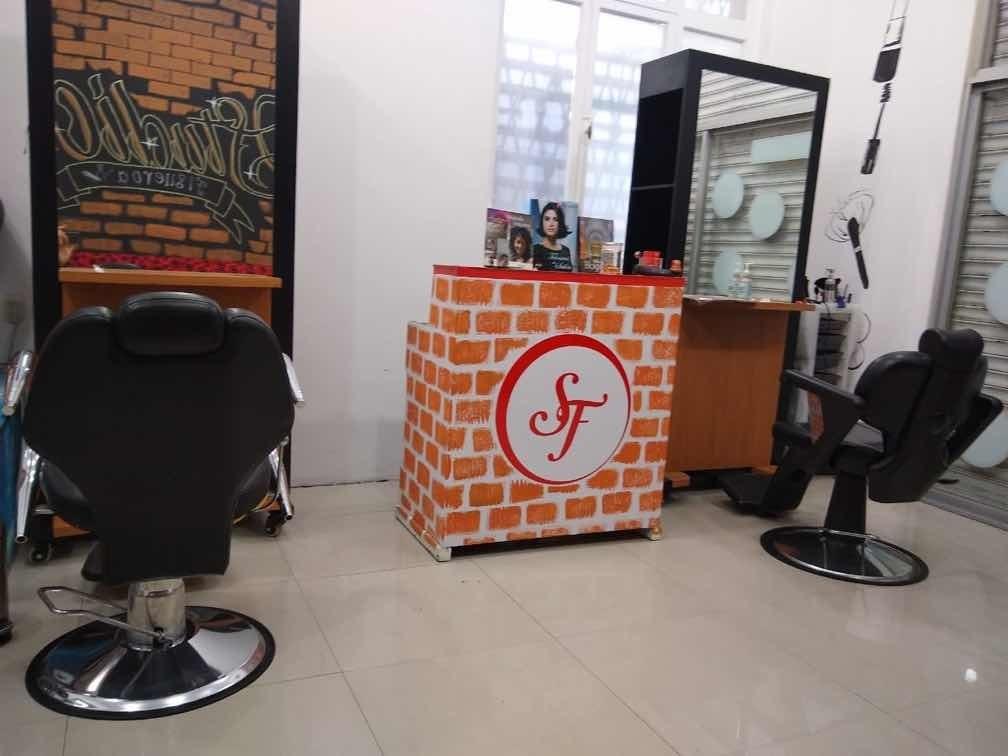venta peluquería incluye todo el mobiliaria de las fotos
