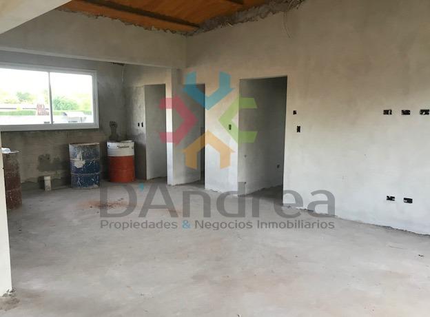 venta / permuta casa quinta a terminar en acceso sur
