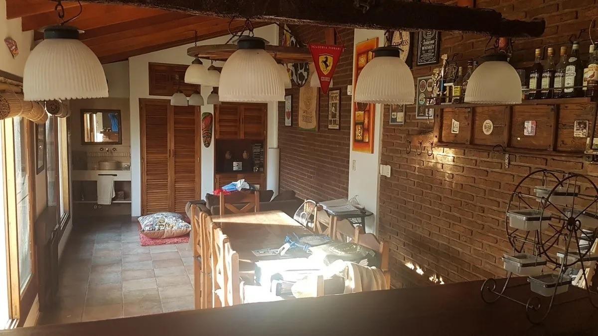 venta permuta chalet colonial 4 amb coch y quincho- castelar