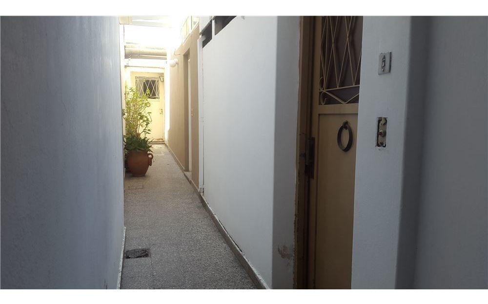 venta ph 2 amb. con patio y local  en villa devoto