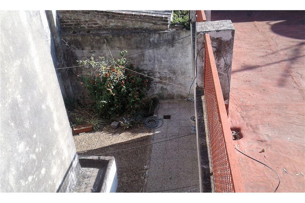 venta - ph 2 amb. con terraza y patio exclusivos.