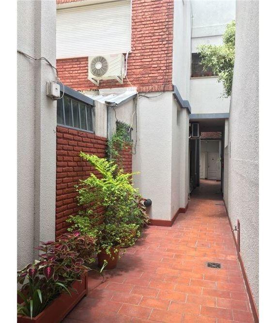 venta ph 2 ambientes. 2 patios florida