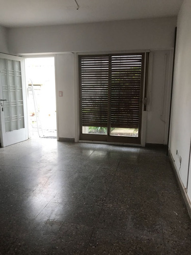 venta ph 2 ambientes con patio castelar norte