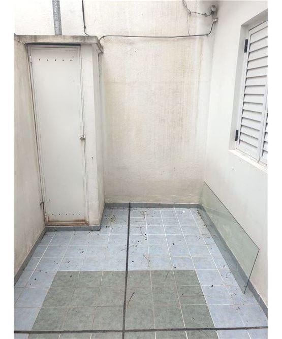 venta ph 2 ambientes con patio planta baja b° naon