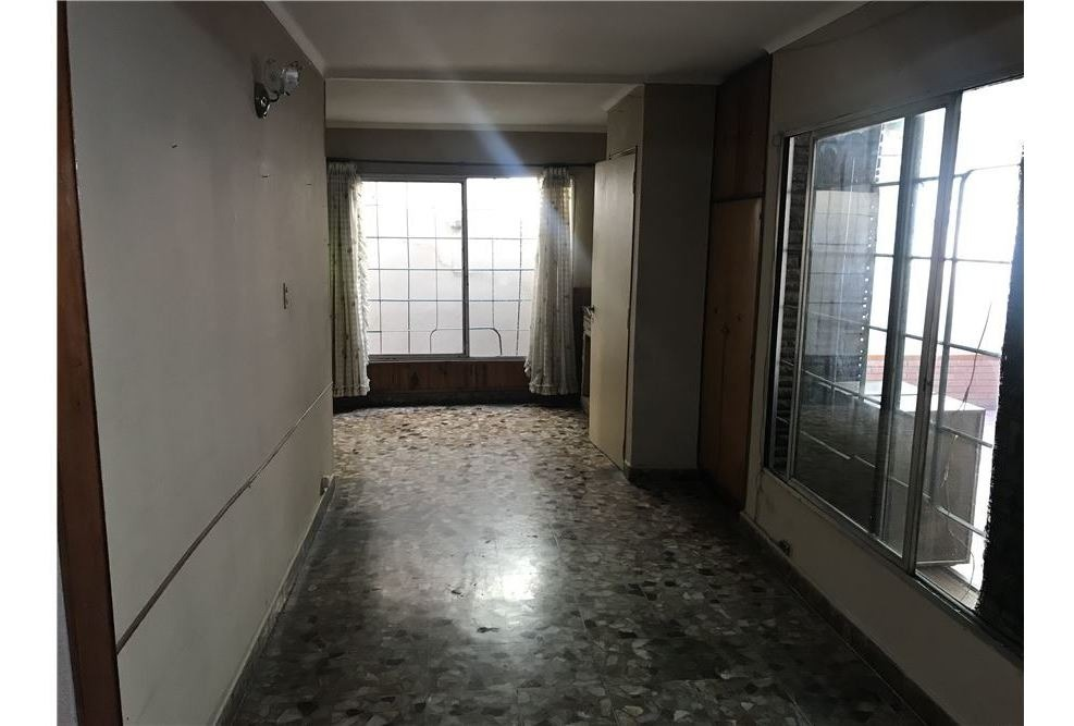 venta ph 3 amb patio sin expensas pompeya
