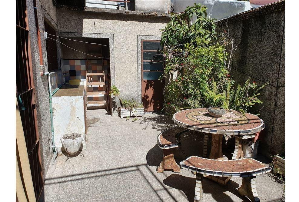 venta ph 3 amb.con garage y patio - santos lugares