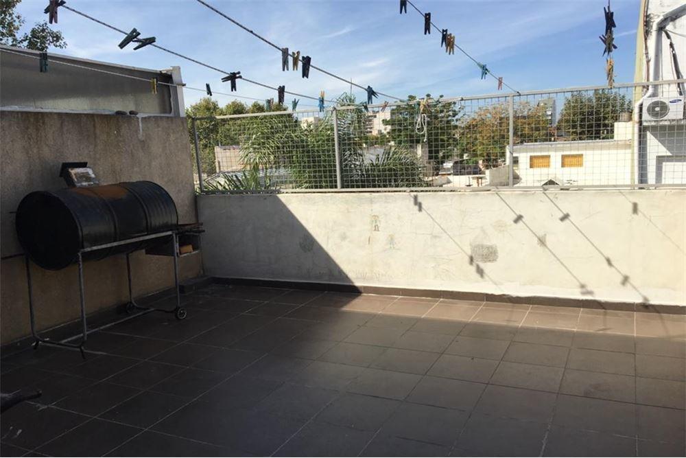 venta ph 3 ambientes c/ patio
