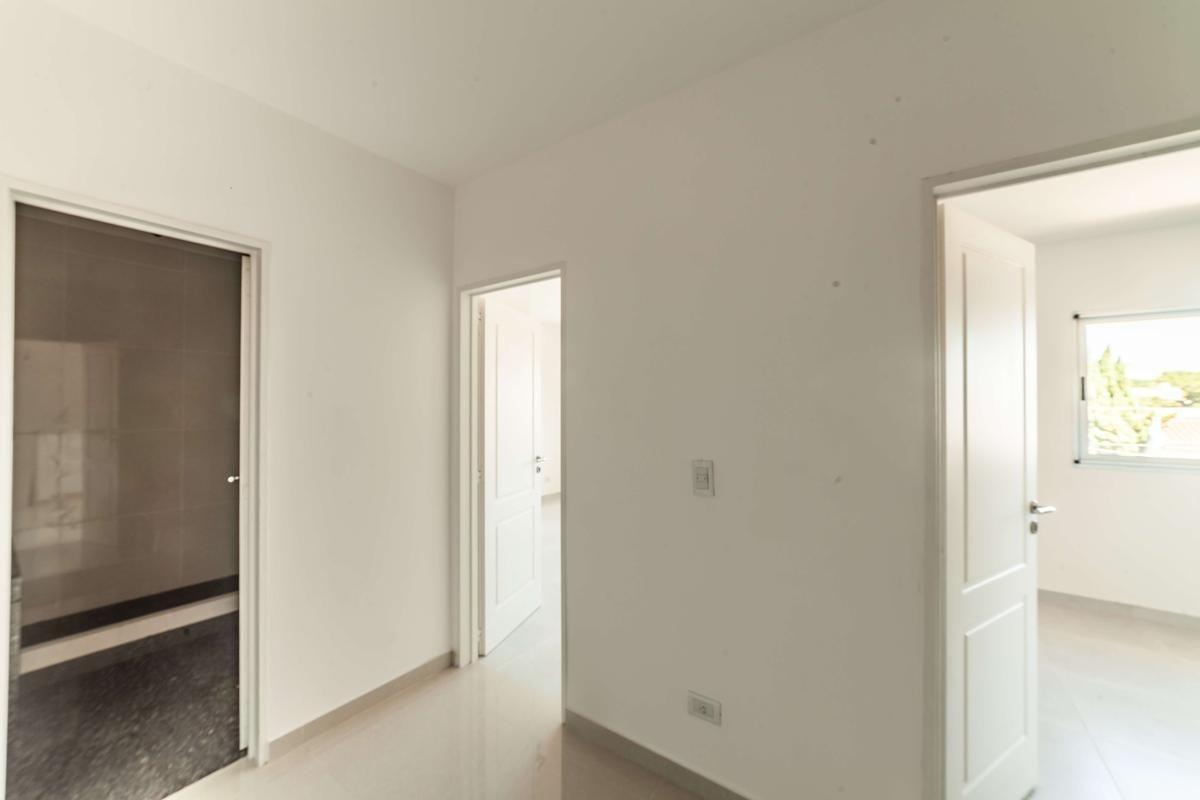 venta ph 3 ambientes, cochera, balcón, luz, al frente, a estrenar